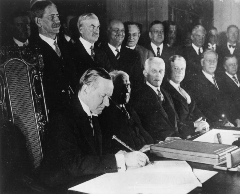 Výsledek obrázku pro briand kellogův pakt
